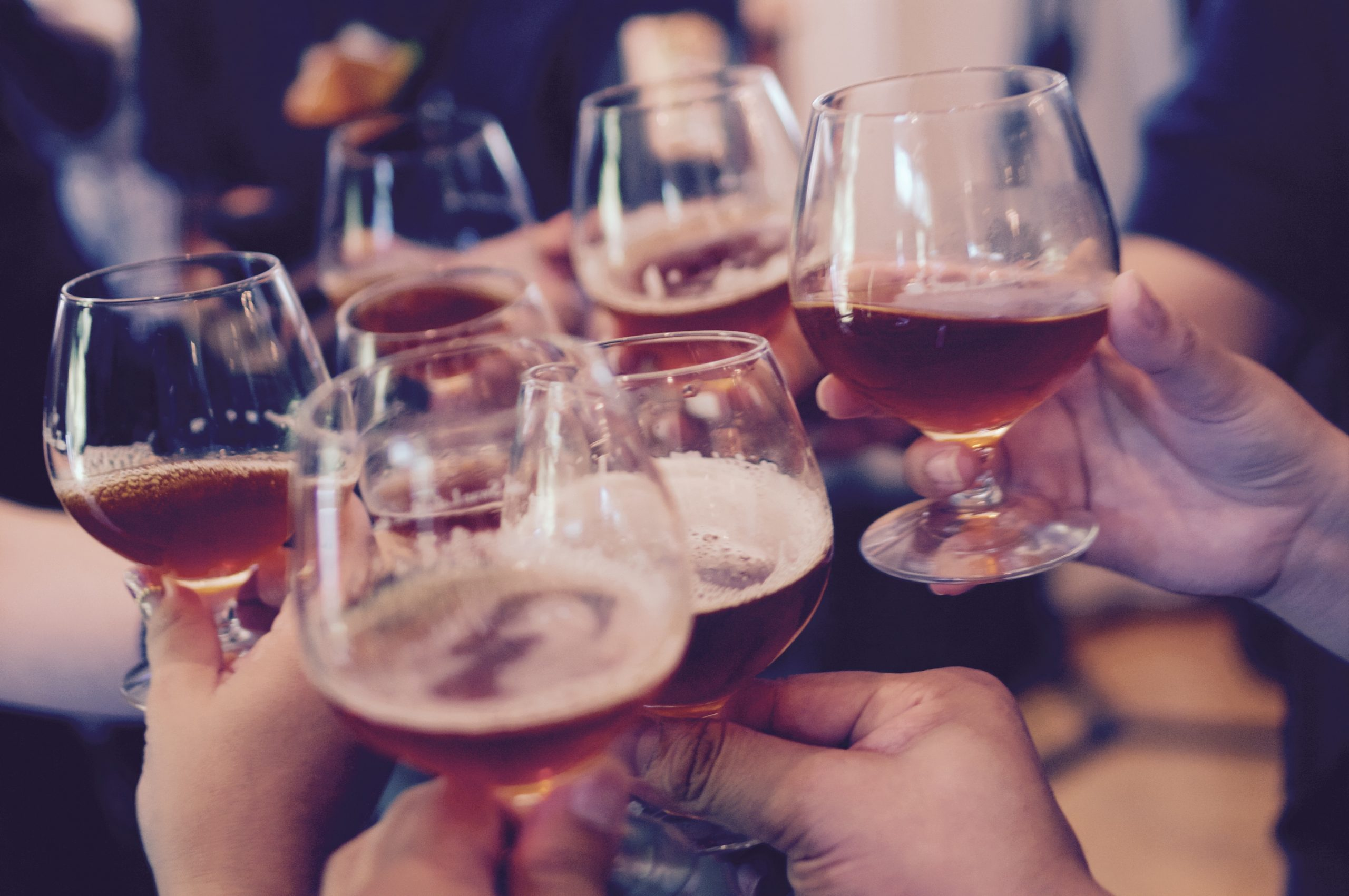 âge légal pour servir de l'alcool